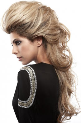 Rock tarzı biraz dağınık tarz saç modeli istiyorsanız